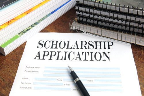 2014  Kim and Harold Louie Family Foundation Scholarship